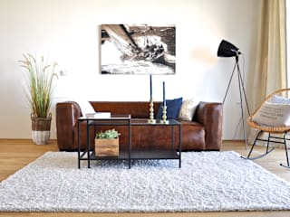 Karin Armbrust - Home Staging Industrial style living room Blue