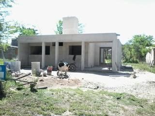 Casas de estilo  de BENGAL CONSTRUCCIONES,