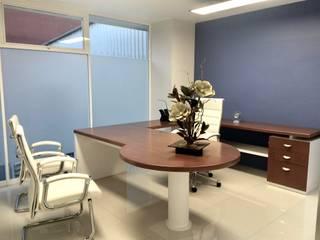 Oficinas Interamericana Estudios y despachos modernos de simon&diseño Moderno