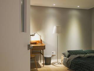 Moderne Schlafzimmer von 위드디자인 Modern
