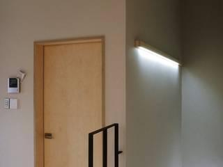 평창리주택#1 건축사사무소 리임 모던스타일 복도, 현관 & 계단 그레이