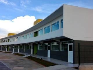 Colegio N.G. Villahermosa Tabasco Casas modernas de simon&diseño Moderno