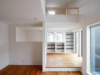 株式会社ハウジングアーキテクト建築設計事務所 客廳書櫃 木頭 Wood effect