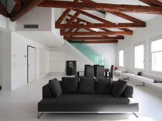 Appartamento San Polo: Soggiorno in stile in stile Minimalista di GIUSTO ARCHITETTO