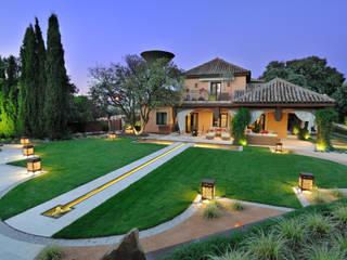 Mediterranean style garden by Fernando Pozuelo Landscaping Collection Mediterranean