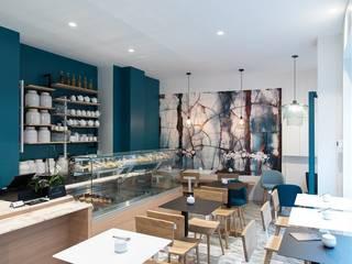 Joseph Vithaya Ruang Keluarga Modern Keramik Blue