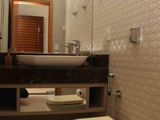 モダンスタイルの お風呂 の Thaisa Afonso - Arquitetura e Urbanismo モダン