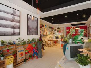 Offices & stores by 一葉藍朵設計家飾所 A Lentil Design , Eclectic