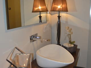 Modern style bathrooms by carla gago-interiores Modern