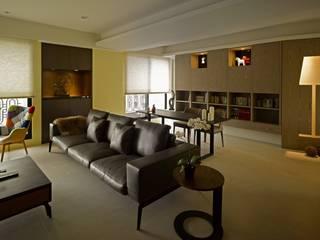 Salones de estilo moderno de 墐桐空間美學 Moderno