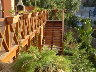 Reforma completa de jardín: Jardines de estilo  de COBERTI