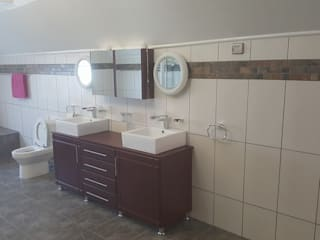 Bathroom renovations:   by BAC PAINTERS AND RENOVATORS,
