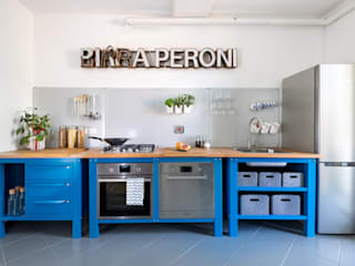 Riccardo Randi Industrial style kitchen Metal Blue
