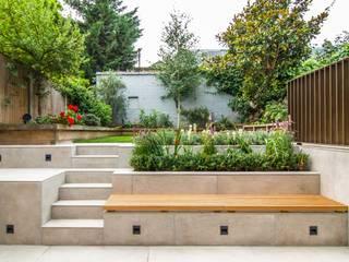 DE BEAUVOIR SQUARE: modern Garden by Bradley Van Der Straeten Architects