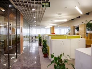 Brittanica Office Space:  Offices & stores by Praxis Design & Building Solutions Pvt Ltd
