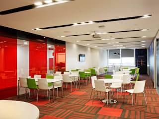 Saxo Bank Commercial Space Project by Praxis Design & Building Solutions Pvt Ltd Modern