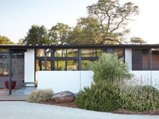 Klopf Architecture Casas estilo moderno: ideas, arquitectura e imágenes Blanco