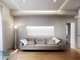 Il design compatto ed essenziale.: Soggiorno in stile in stile Moderno di Gruppo Castaldi | Roma