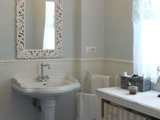 Casa shabby chic: Bagno in stile  di Francesca Maria surace