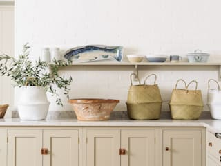 The Surrey Kitchen by deVOL deVOL Kitchens KitchenCabinets & shelves Wood Beige