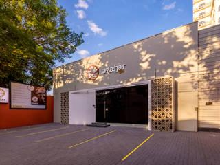 Fachada de Spa: Lojas e imóveis comerciais  por D2C Arquitetura,Mediterrâneo