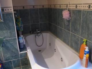 Salle de bain de 9 m² Salle de bain classique par Tiphaine PENNEC Classique
