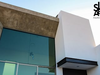 Moderne huizen van Slab Arquitectos Modern