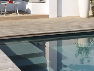 Piscinas de estilo mediterráneo de Agence MORVANT & MOINGEON Mediterráneo