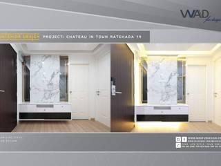 การตกเเต่งภายใน style modern luxury ของ CONDO CHATEAU IN TOWN รัชดา 19:   by WAD fur design