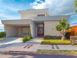 Fachada Frontal: Casas  por mariaeunicearquitetura