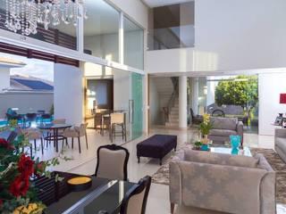 Integração: Sala de estar, jantar e lazer: Salas de estar  por mariaeunicearquitetura