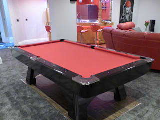 Professional Pool Table: modern  by Luxury Pool Tables Limited, Modern