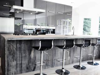 Keukeneiland hout:  Keuken door RestyleXL