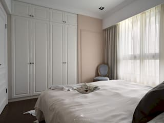 理絲室內設計有限公司 Ris Interior Design Co., Ltd. BedroomWardrobes & closets White