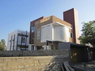 BYSANI RESIDENCE, BANGALORE:  Houses by Parikshit Dalal Design + Architecture