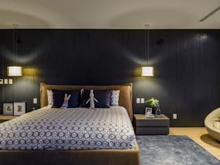 NIVEL TRES ARQUITECTURA Modern style bedroom Wood Black