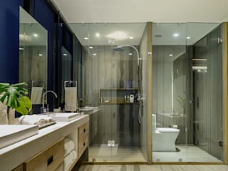 NIVEL TRES ARQUITECTURA Modern bathroom Marble Grey