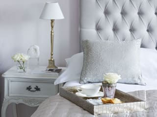 Styling a Luxurious Feminine Bedroom: classic  by Sweetpea and Willow® London Ltd, Classic