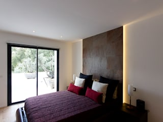 Modern style bedroom by MBquadro Architetti Modern