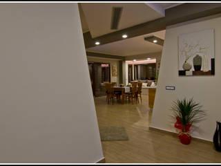Lovely M: Ingresso & Corridoio in stile  di Marco Maria Statella - Architect