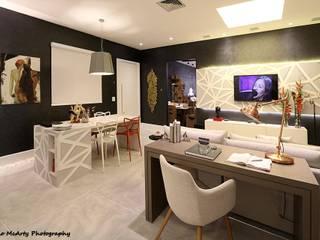 Estar da Família Conectada Salas de estar modernas por Mericia Caldas Arquitetura Moderno
