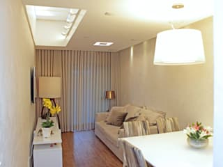 Projeto Martins: Salas de estar modernas por Mericia Caldas Arquitetura