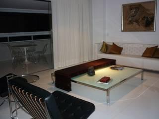 Projeto Patamares: Salas de estar modernas por Mericia Caldas Arquitetura
