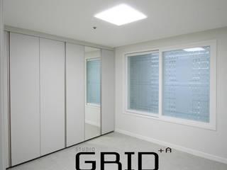 20평대 침실인테리어 모던스타일 침실 by Design Studio Grid+A 모던