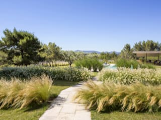 Agence MORVANT & MOINGEON Jardines de estilo mediterráneo