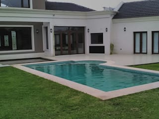 Piscina in stile  di GRICO DECKS,