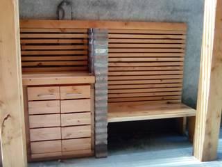 TERRAZA Y QUINCHO, vista banca y mueble: Terrazas  de estilo  por CREARCO