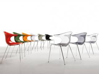 Loop silla de comedor, cocina moderna transparente o fumé de infiniti design en www.lacadira.com:  de estilo  de La cadira