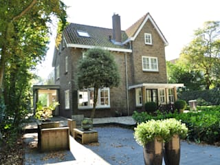 Uitbreiding monumentale woning Bergen:  Huizen door Nico Dekker Ontwerp & Bouwkunde