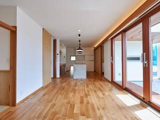HouseK1: 一級建築士事務所 ima建築設計室が手掛けたリビングです。,